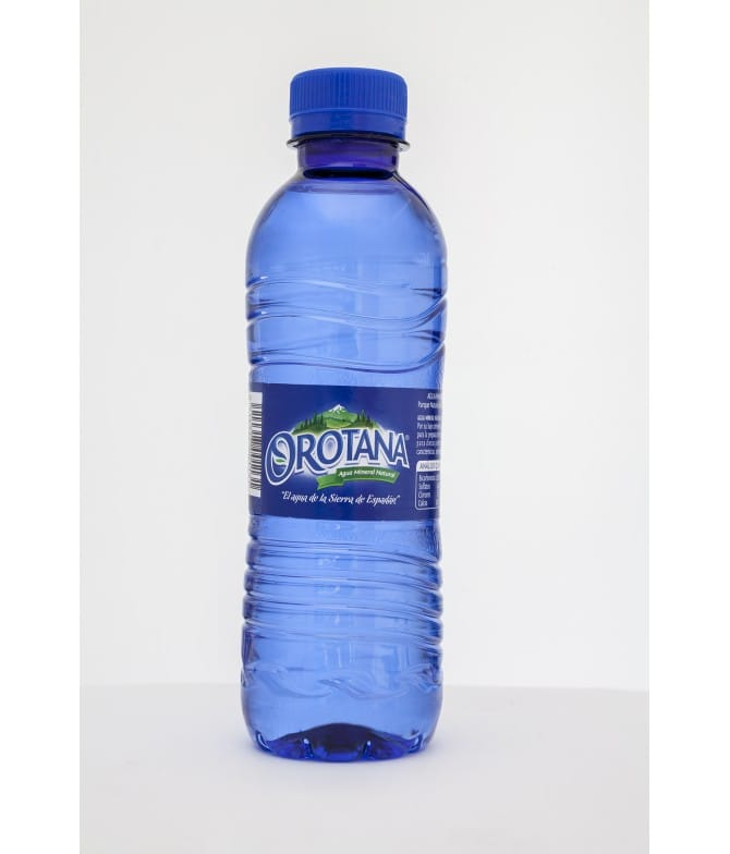 Agua Orotana, de 0,33L, de mineralización débil, natural y equilibrada. PPPA33. Palomarestornero.com